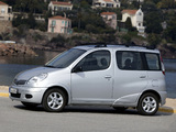 Toyota Yaris Verso 2003–06 images