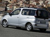 Toyota Yaris Verso 2003–06 photos