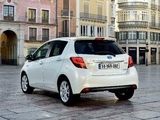 Photos of Toyota Yaris Hybrid 2014