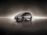 Photos of Toyota Yaris Hybrid Bi-Tone 2017