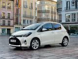Toyota Yaris Hybrid 2014 photos