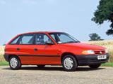 Images of Vauxhall Astra 5-door 1991–98