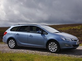 Images of Vauxhall Astra Sports Tourer 2010–12