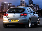Vauxhall Astra 2009–12 images