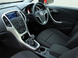 Vauxhall Astra 2009–12 wallpapers
