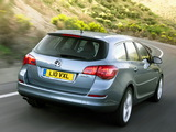 Vauxhall Astra Sports Tourer 2010–12 wallpapers