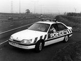 Vauxhall Carlton 2.6i Police 1990–94 pictures