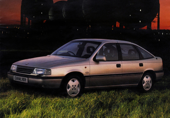 Pictures Of Vauxhall Cavalier CD Hatchback 1988 92