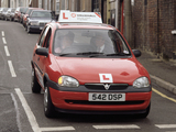 Photos of Vauxhall Corsa 5-door (B) 1993–2000
