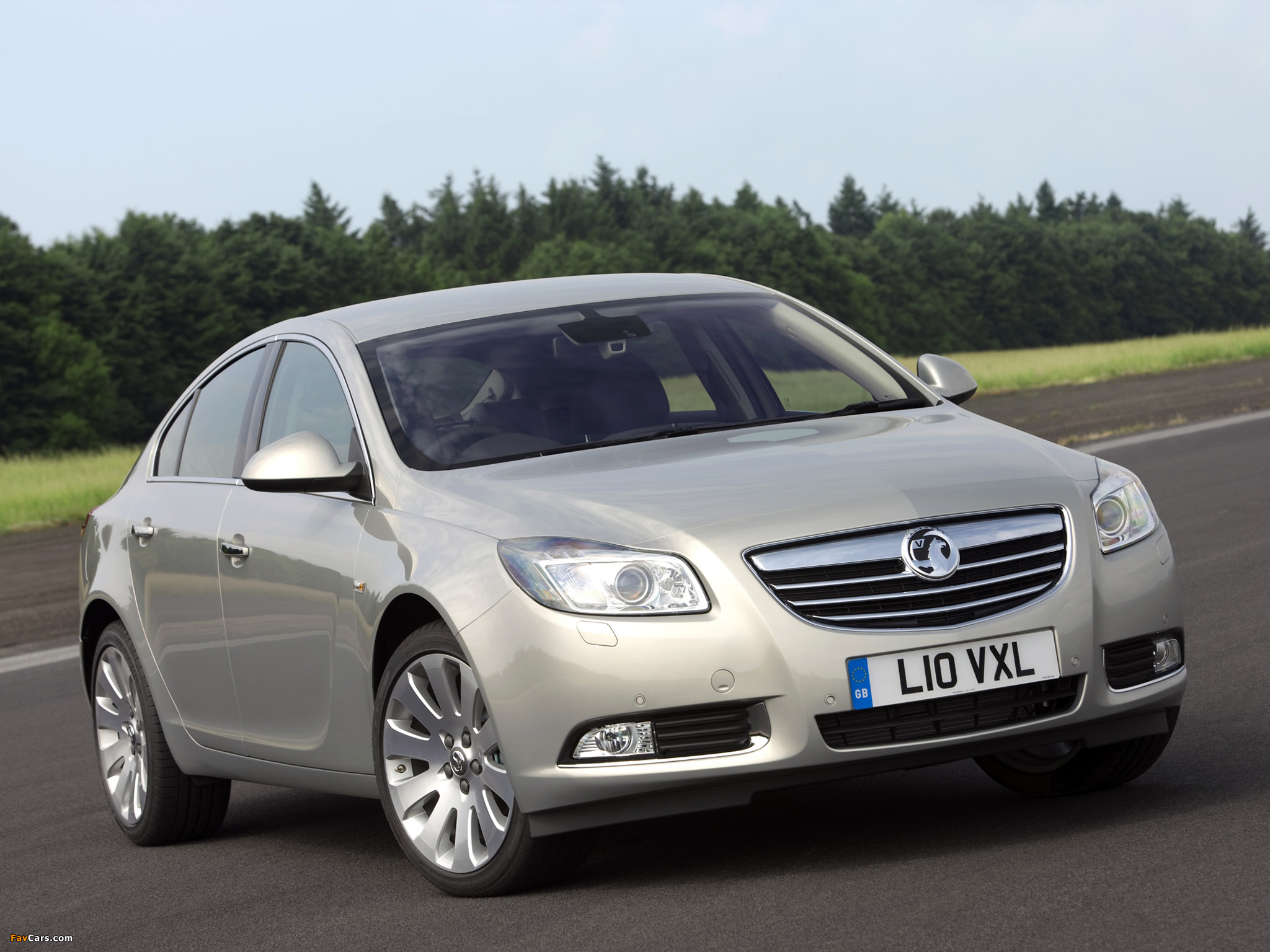 Images of Vauxhall Insignia Hatchback 2008–13 (2048 x 1536)