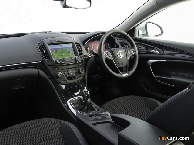 Vauxhall Insignia Country Tourer 2013 images (640 x 480)