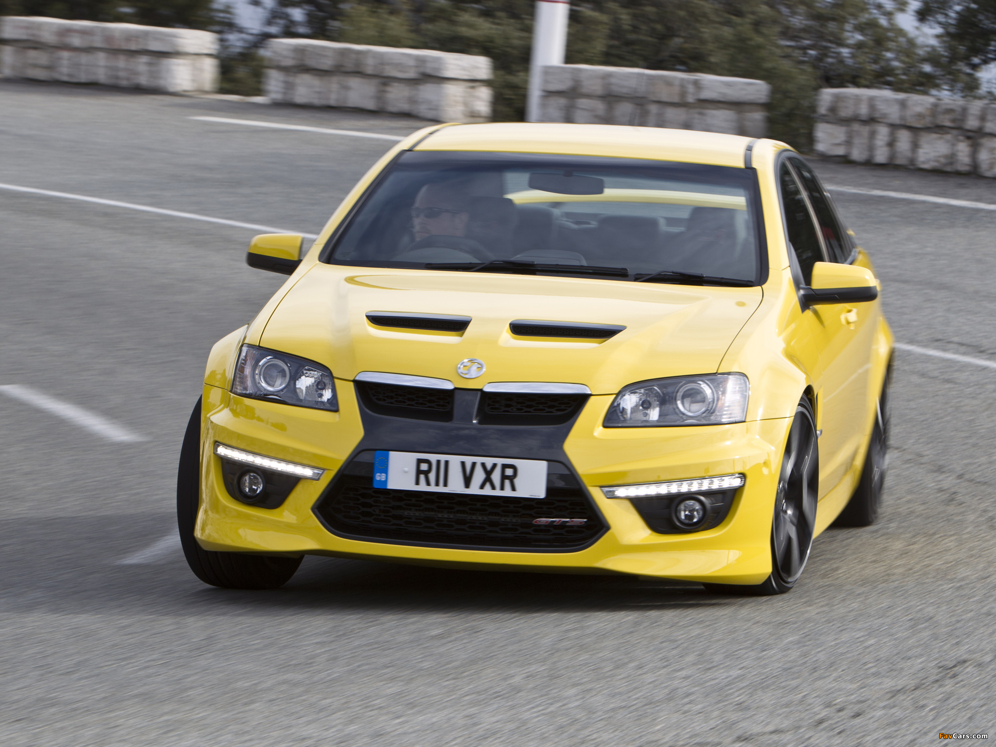 Pictures of Vauxhall VXR8 2011–13 (2048 x 1536)