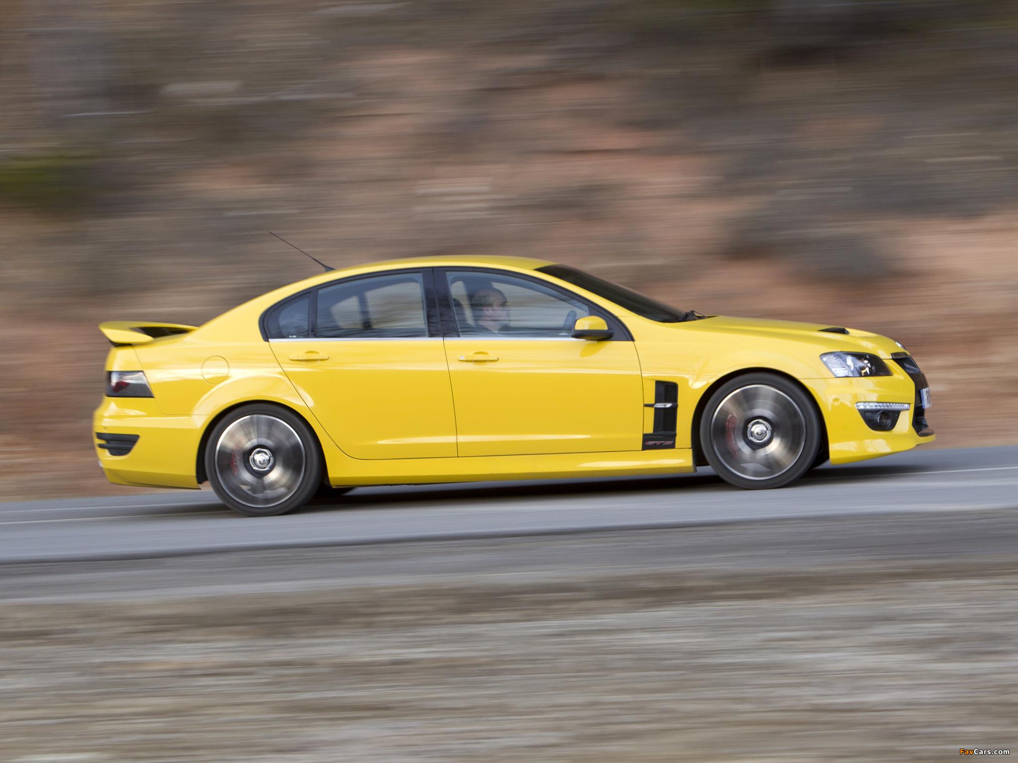 Vauxhall VXR8 2011–13 images (2048 x 1536)