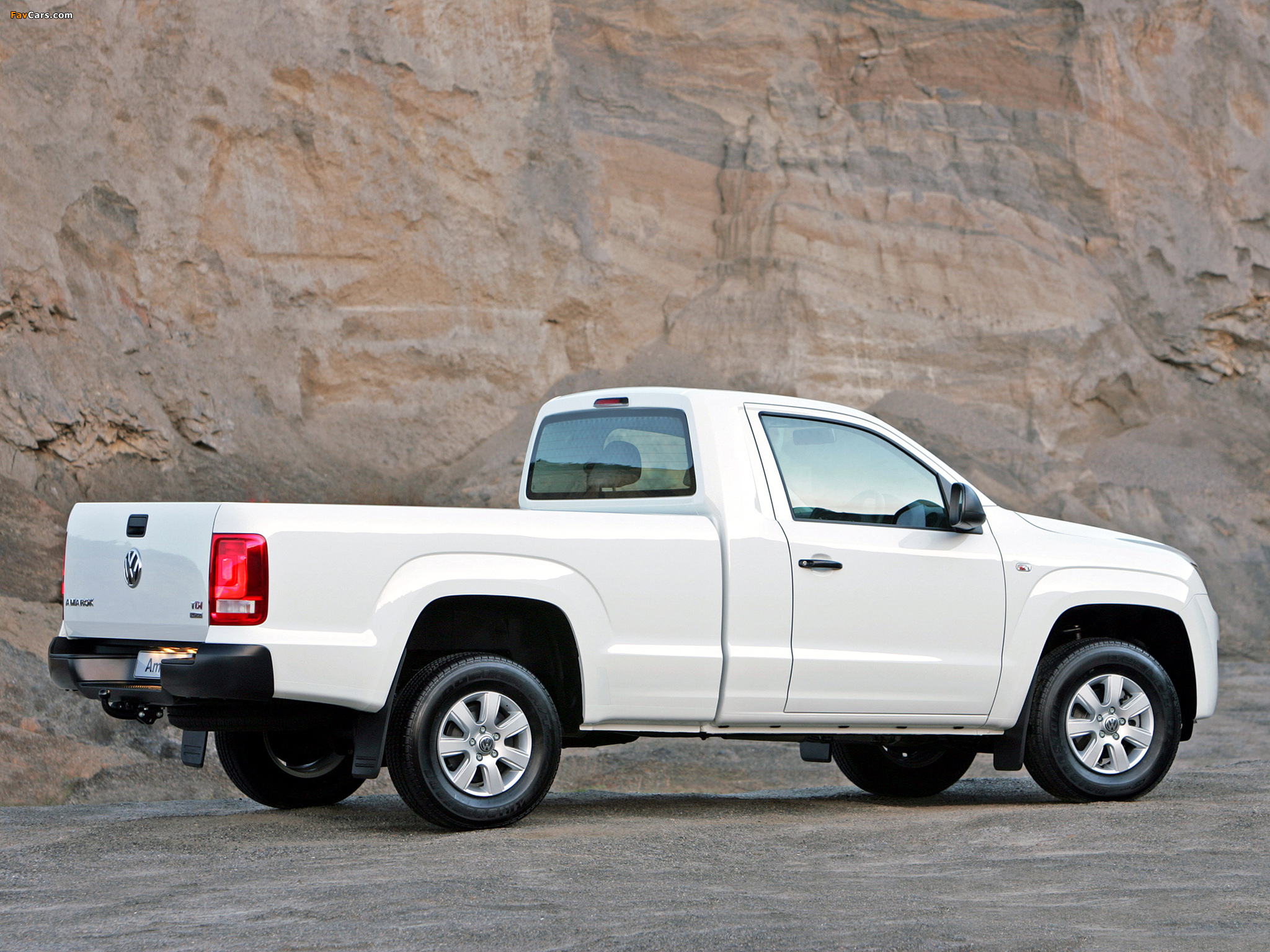 Photos of Volkswagen Amarok Single Cab Comfortline ZA-spec 2010 (2048 x 1536)