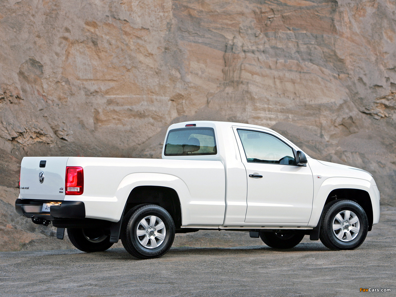 Photos of Volkswagen Amarok Single Cab Comfortline ZA-spec 2010 (1280 x 960)