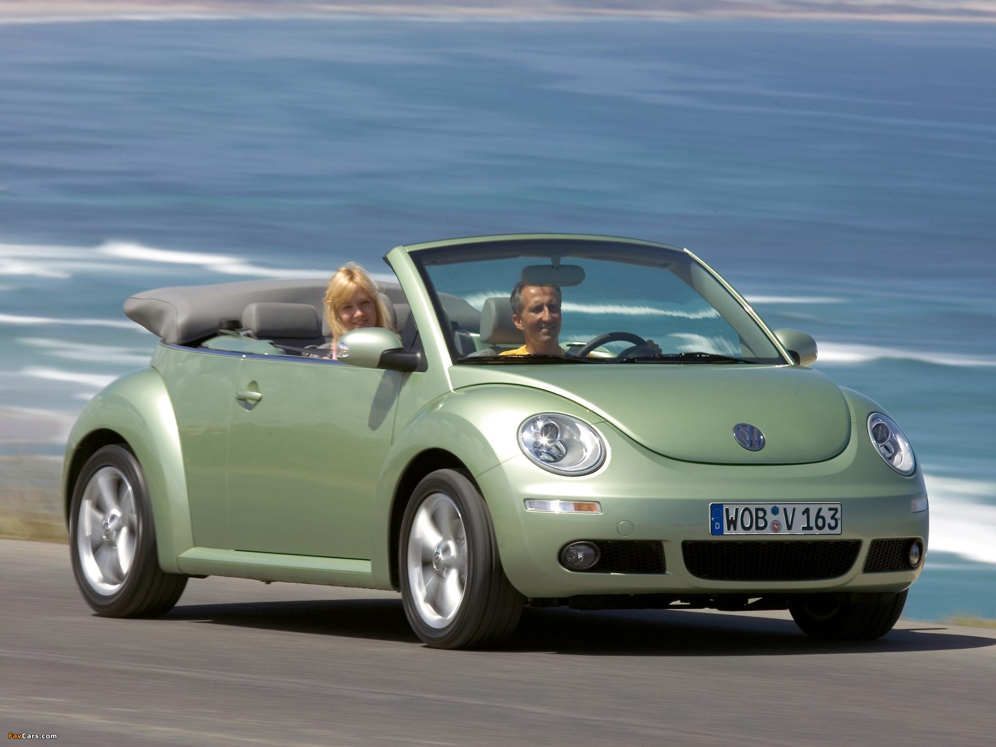 Photos of Volkswagen New Beetle Cabrio 2006–10 (2048 x 1536)