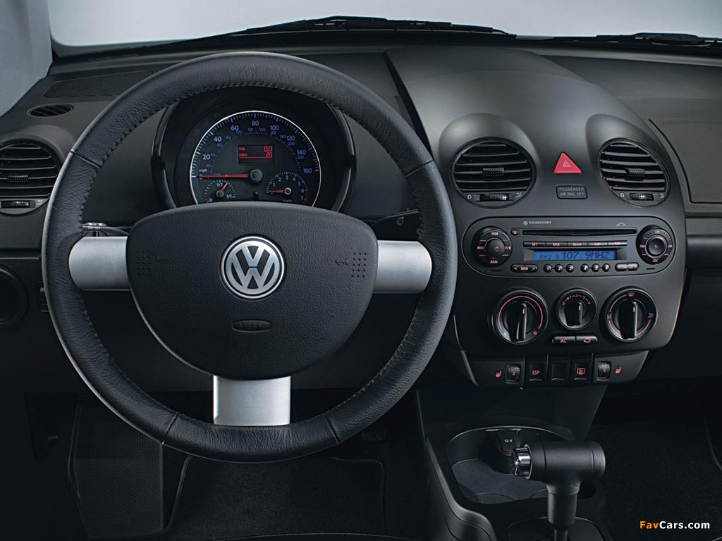 Volkswagen New Beetle Cabrio 2000–05 wallpapers (1024 x 768)