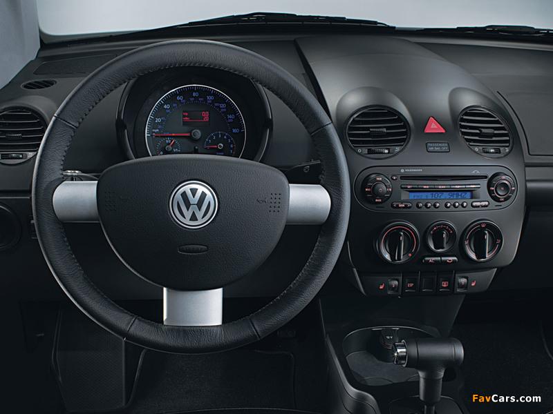Volkswagen New Beetle Cabrio 2000–05 wallpapers (800 x 600)