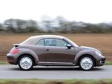 Volkswagen Beetle Cabrio 70s Edition UK-spec 2013 wallpapers