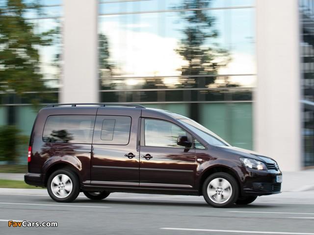 Images of Volkswagen Caddy Maxi Life UK-spec (Type 2K) 2010 (640 x 480)