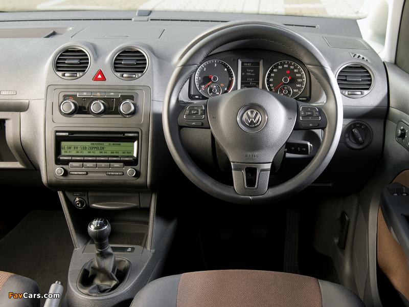 Pictures of Volkswagen Caddy Maxi Life UK-spec (Type 2K) 2010 (800 x 600)