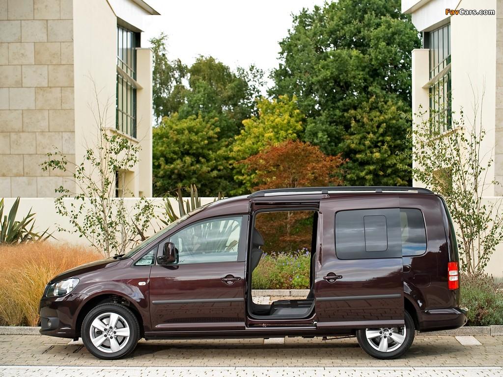 Volkswagen Caddy Maxi Life UK-spec (Type 2K) 2010 images (1024 x 768)
