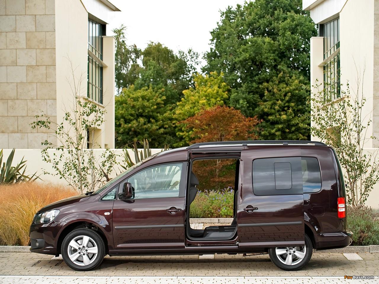 Volkswagen Caddy Maxi Life UK-spec (Type 2K) 2010 images (1280 x 960)