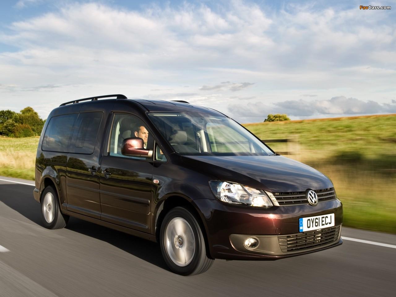 Volkswagen Caddy Maxi Life UK-spec (Type 2K) 2010 photos (1280 x 960)