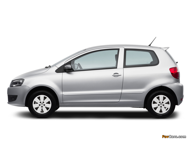 Images of Volkswagen Fox BlueMotion 3-door 2012 (800 x 600)
