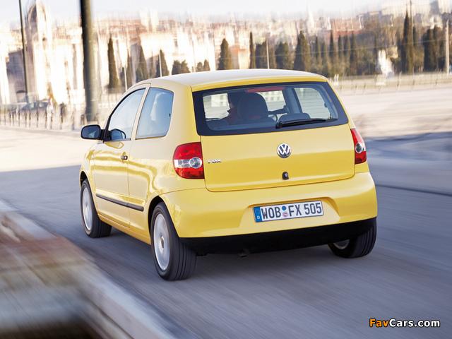 Volkswagen Fox 2005–09 wallpapers (640 x 480)
