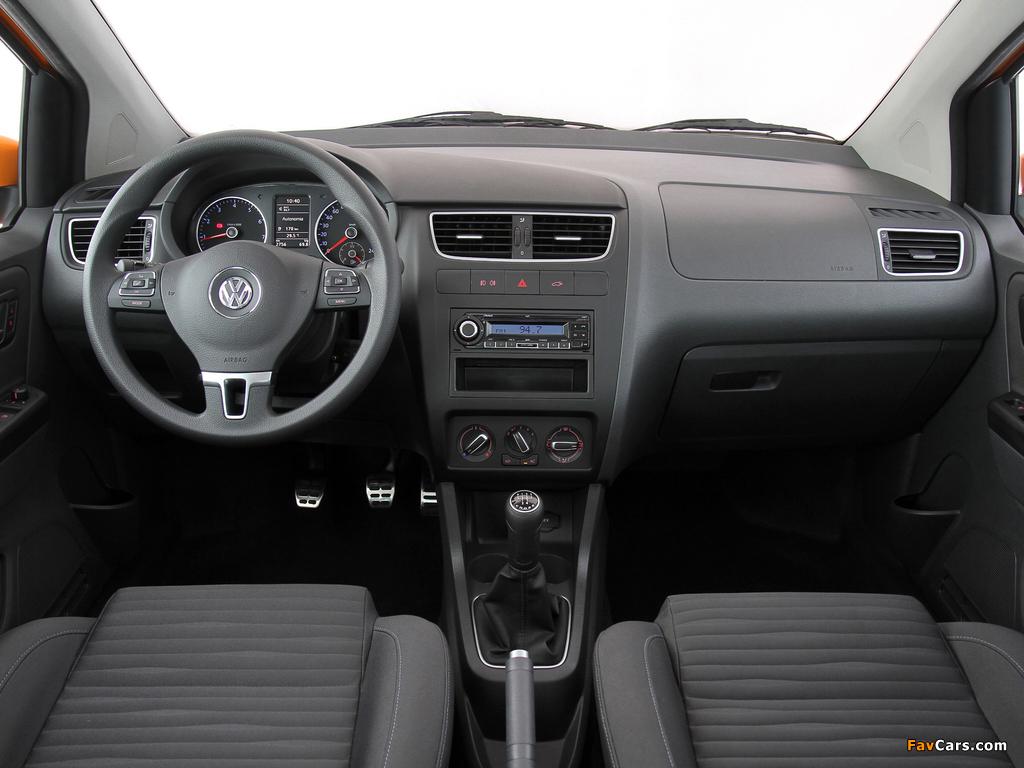 Volkswagen CrossFox 2009–12 pictures (1024 x 768)