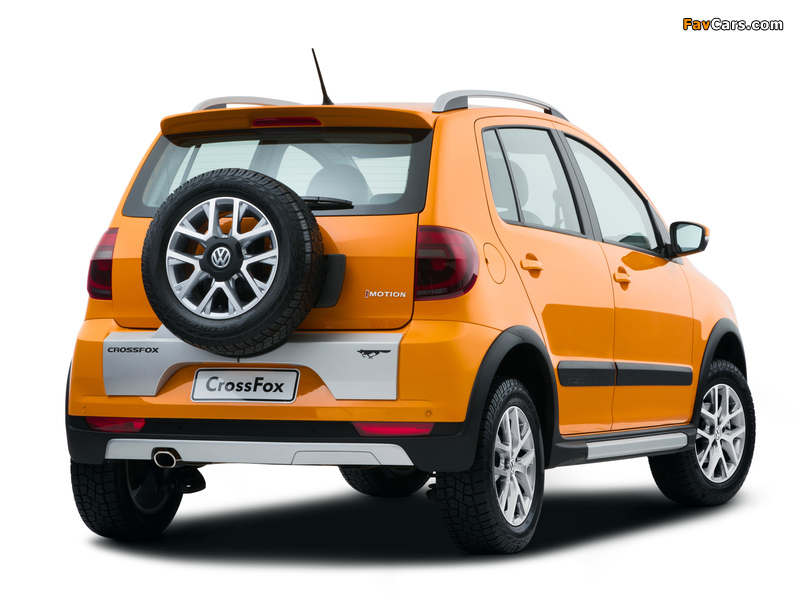 Volkswagen CrossFox 2012 images (800 x 600)
