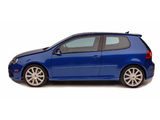 Photos of Volkswagen Golf R32 3-door US-spec (Typ 1K) 2006–08