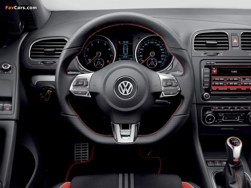 Photos of Volkswagen Golf GTI 3-door Adidas (Typ 5K) 2010 (800 x 600)