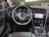 Photos of Volkswagen Golf TDI BlueMotion 5-door (Typ 5G) 2012