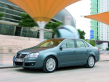 Pictures of Volkswagen Jetta (V) 2005–10