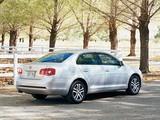 Volkswagen Jetta US-spec (V) 2006–10 pictures