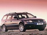 Pictures of Volkswagen Passat Variant UK-spec (B5+) 2000–05