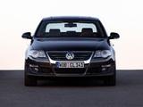 Pictures of Volkswagen Passat 2.0 TDI Sedan (B6) 2005–10