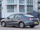 Pictures of Volkswagen Passat BlueMotion R-Line Sedan UK-spec (B6) 2009–10