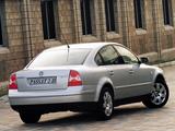 Volkswagen Passat V6 4MOTION Sedan ZA-spec (B5+) 2000–05 images