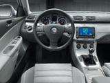 Volkswagen Passat 2.0 FSI Sedan (B6) 2005–10 photos