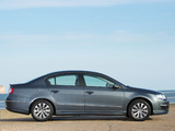 Volkswagen Passat BlueMotion R-Line Sedan UK-spec (B6) 2009–10 images