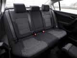 Volkswagen Passat BlueMotion UK-spec (B7) 2010 images