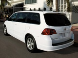 Pictures of Volkswagen Routan 2008–12