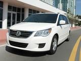Volkswagen Routan North America 2008–2013 images