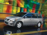 Volkswagen Routan 2008–12 photos