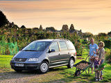 Volkswagen Sharan 2004–10 pictures