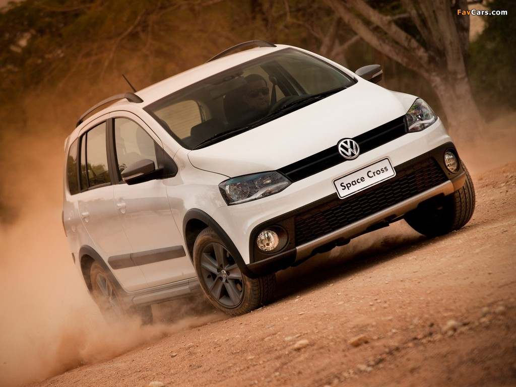 Images of Volkswagen SpaceCross 2011 (1024 x 768)