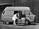Pictures of Volkswagen T3 Transporter Van High Roof 1979–92